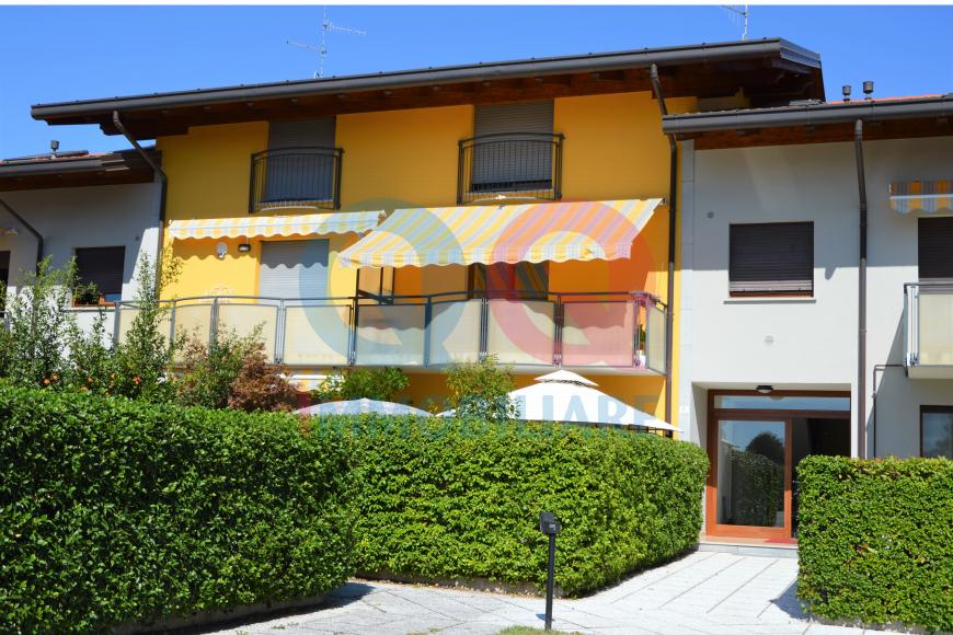 Appartamento in buone condizioni in vendita Rif. 11709384