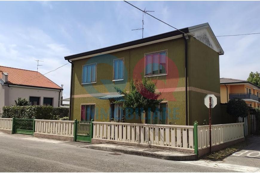 Casa indipendente 5 locali in vendita a San Michele al Tagliamento (VE)