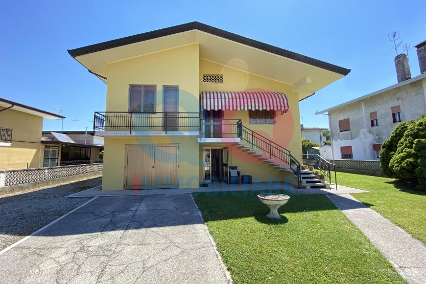Soluzione Indipendente in vendita a Fossalta di Portogruaro, 6 locali, prezzo € 159.000 | CambioCasa.it