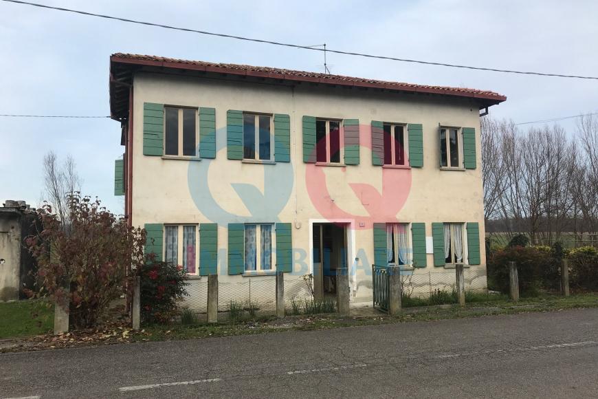 Soluzione Indipendente in vendita a Fossalta di Portogruaro, 5 locali, prezzo € 60.000 | CambioCasa.it