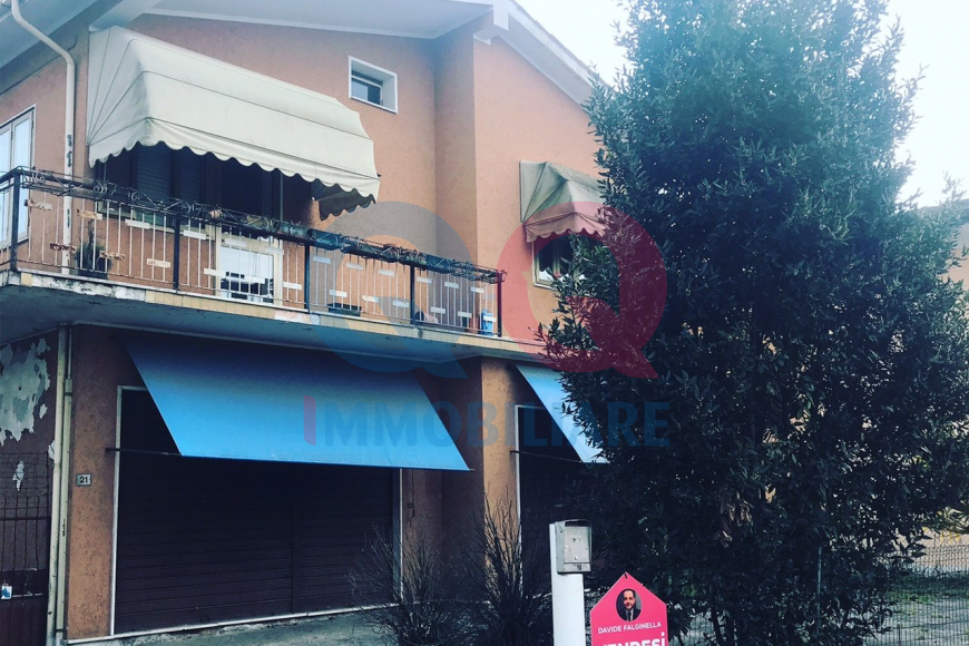 Casa indipendente quadrilocale in vendita a Portogruaro (VE)
