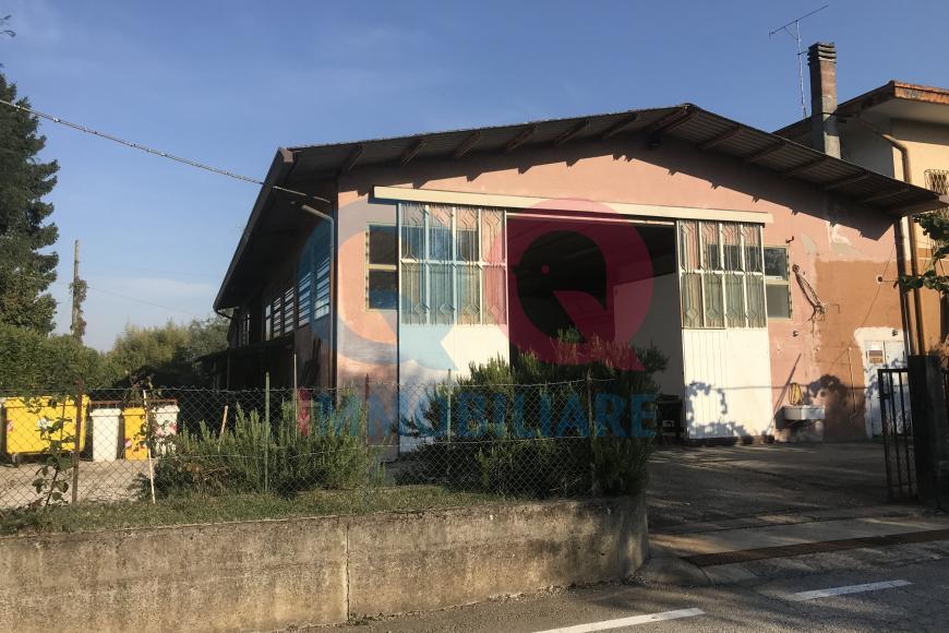 Magazzino in vendita a Fossalta di Portogruaro, 3 locali, prezzo € 70.000 | CambioCasa.it