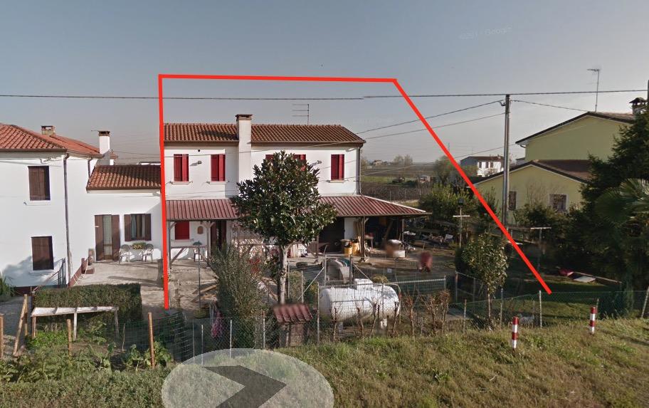 Villetta a schiera in buone condizioni in vendita Rif. 10993331