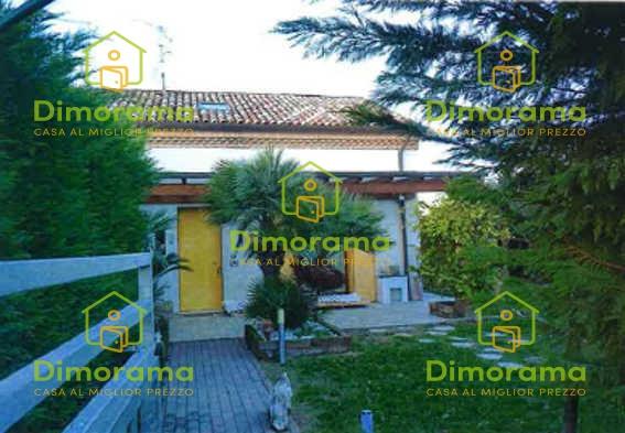 Villetta a schiera in buone condizioni in vendita Rif. 11160356