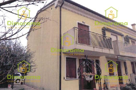 Villetta a schiera da ristrutturare in vendita Rif. 11261292