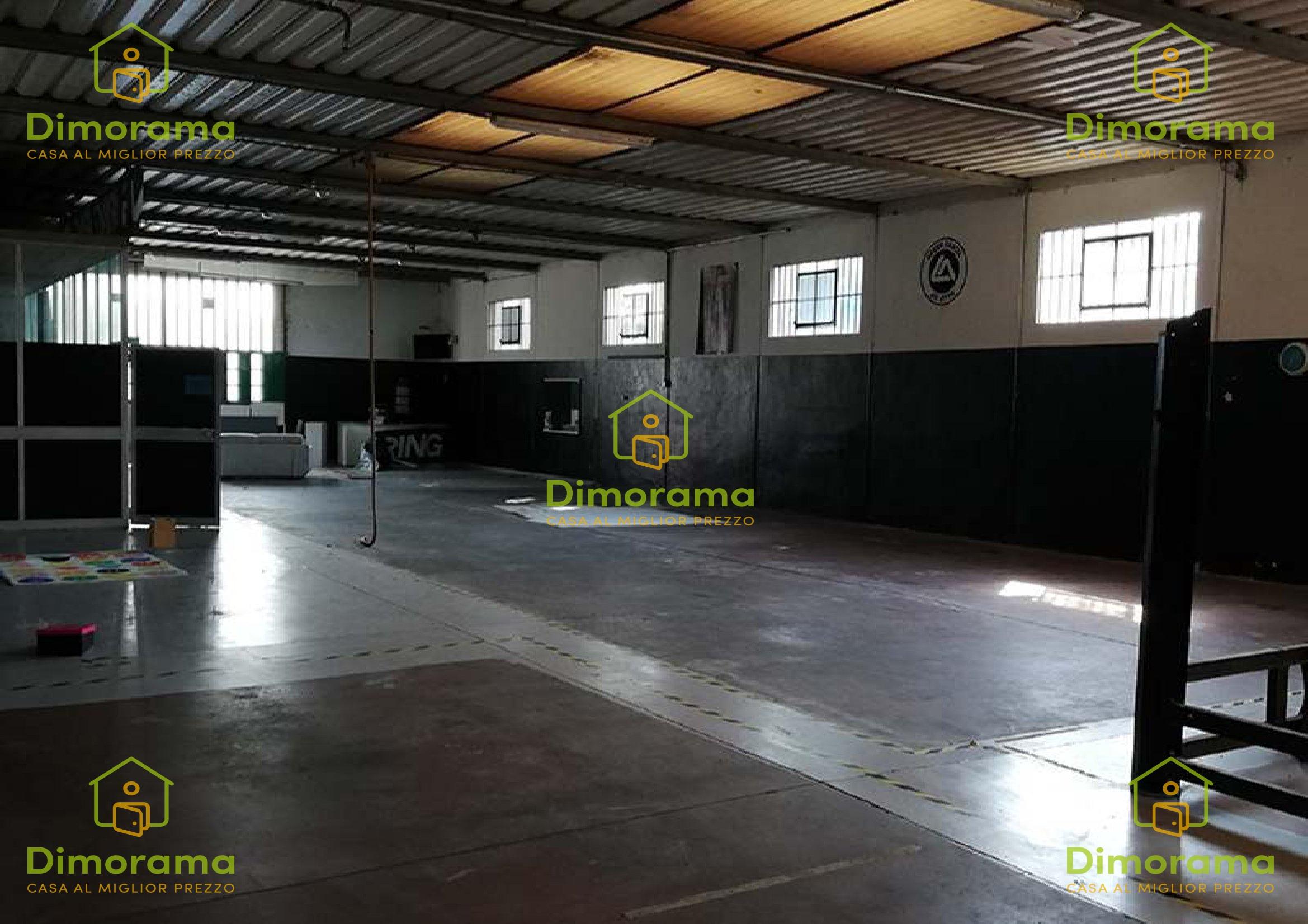 Capannone monolocale in vendita a Ravenna (RA)