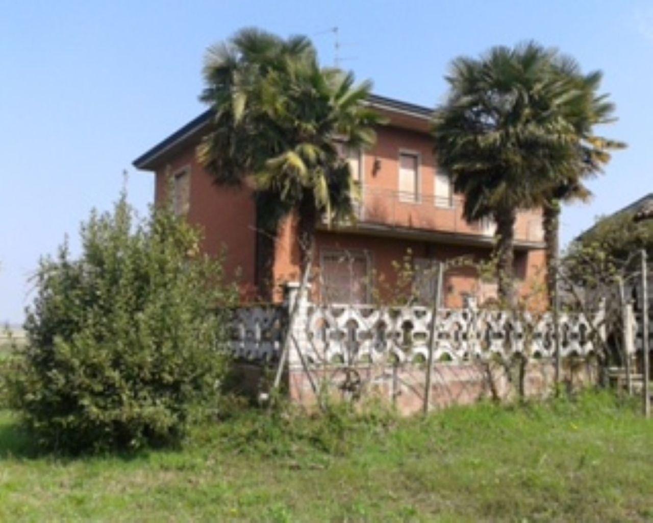 Villa in vendita a Badia Pavese, 5 locali, prezzo € 250.000 | Cambio Casa.it