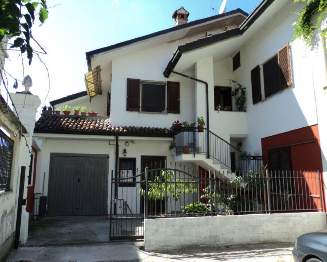 Soluzione Indipendente in vendita a Borghetto Lodigiano, 4 locali, prezzo € 200.000 | CambioCasa.it