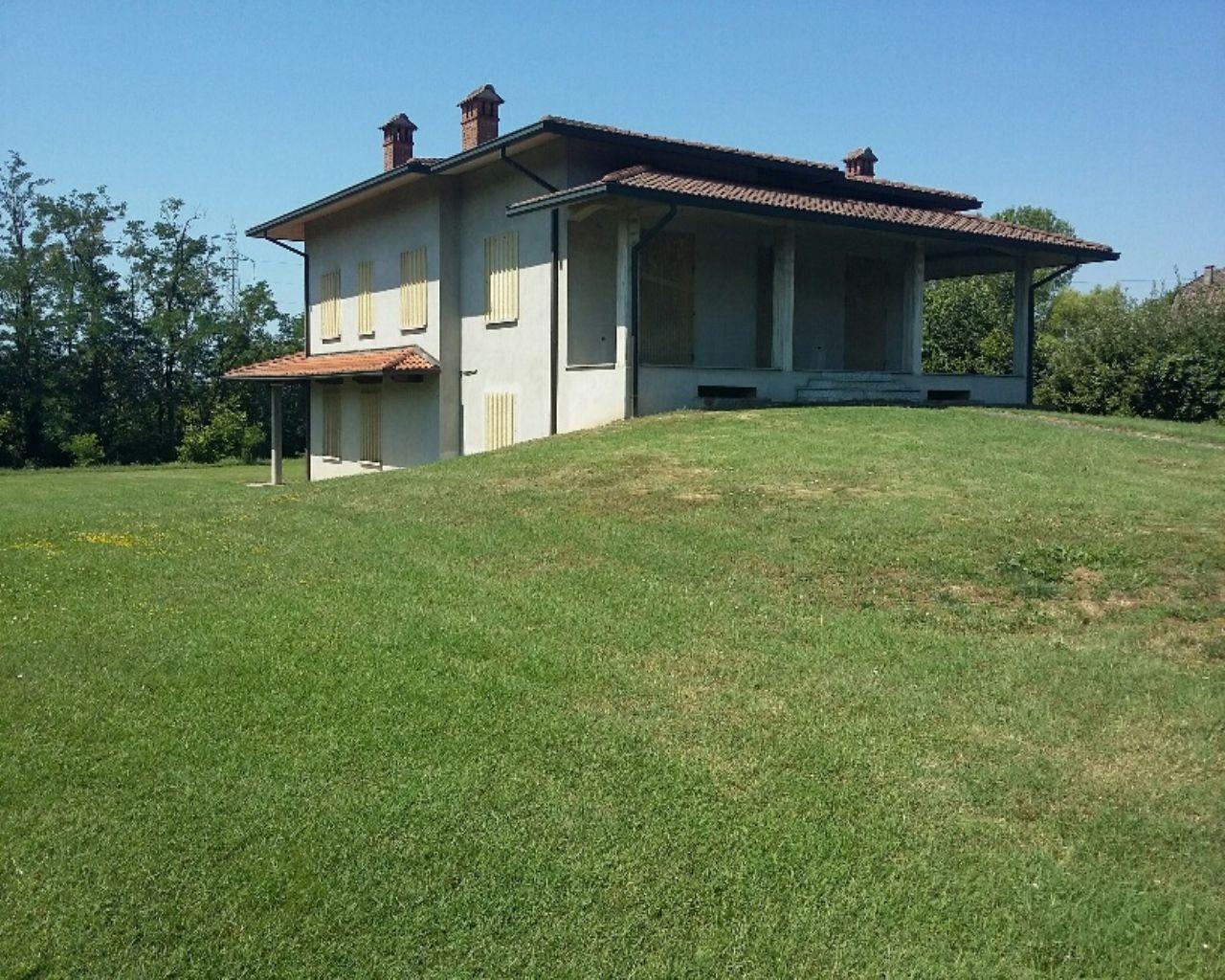 Villa in vendita a Miradolo Terme, 7 locali, prezzo € 315.000 | CambioCasa.it