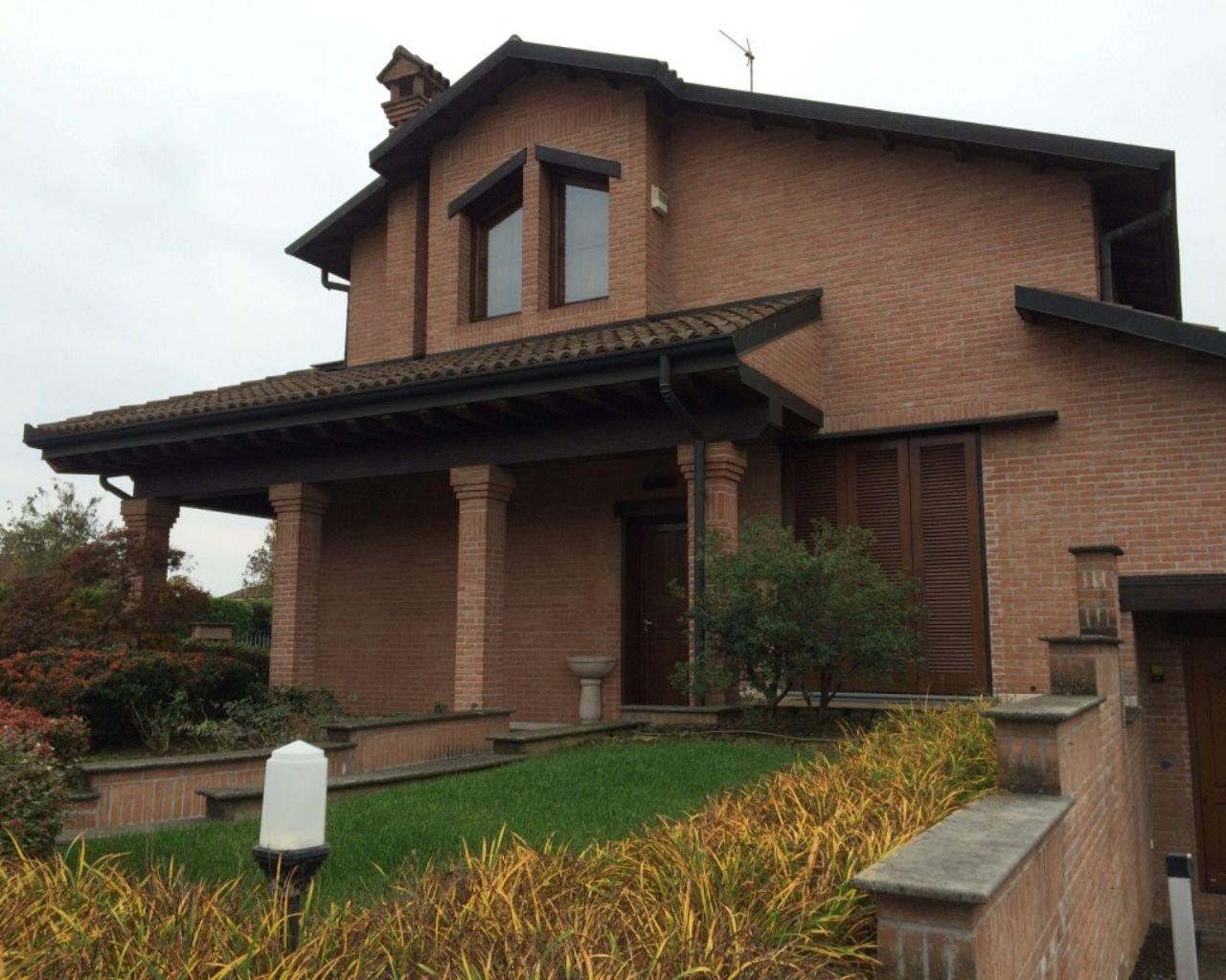 Villa 6 locali in vendita a Casalpusterlengo (LO)