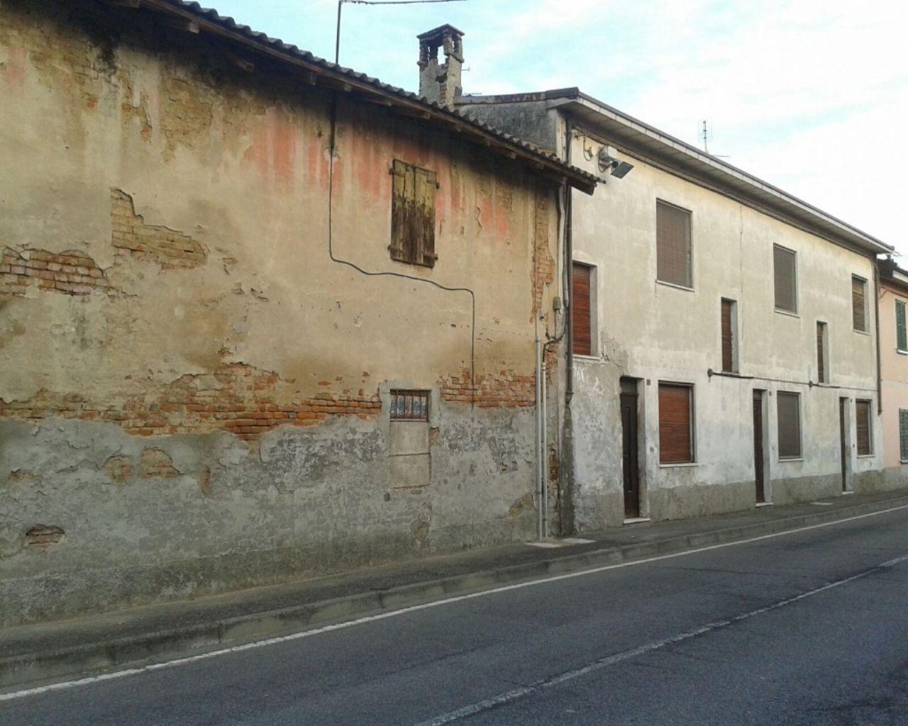 Casa indipendente 6 locali in vendita a Somaglia (LO)