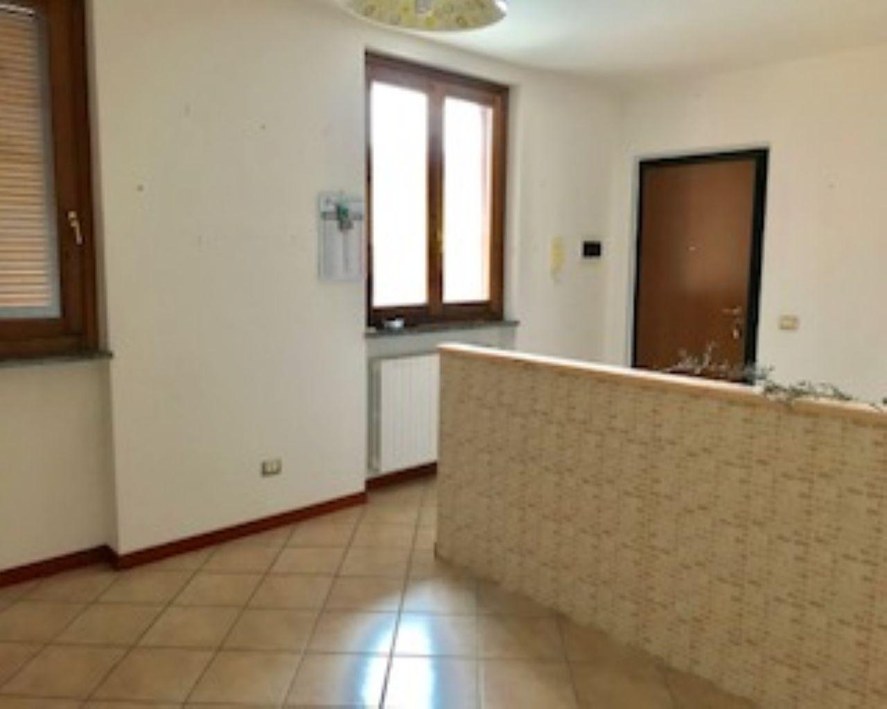 Appartamento trilocale in vendita a Borghetto Lodigiano (LO)