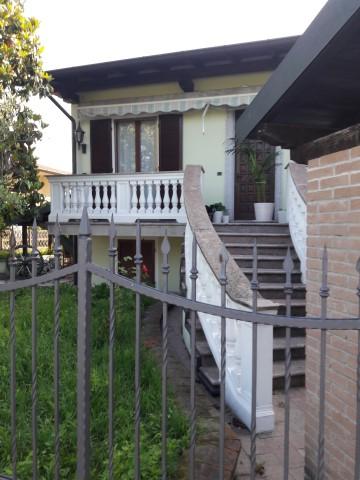 Villa quadrilocale in vendita a Marudo (LO)