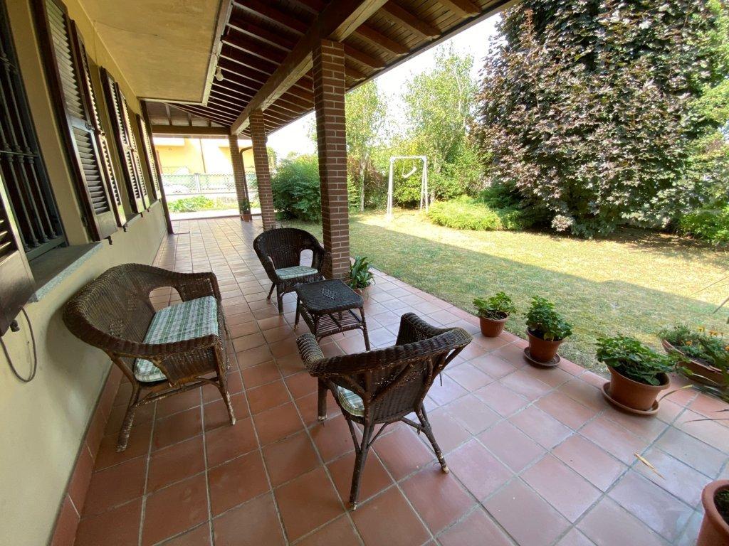 Villa quadrilocale in vendita a Orio Litta (LO)
