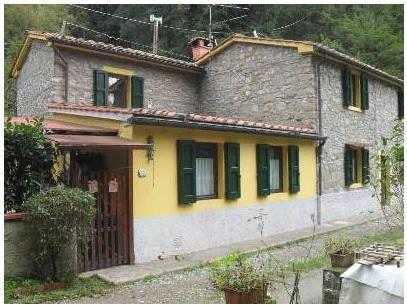 Rustico / Casale in buone condizioni in vendita Rif. 5434654
