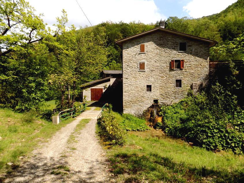 Rustico / Casale in buone condizioni in vendita Rif. 6606064