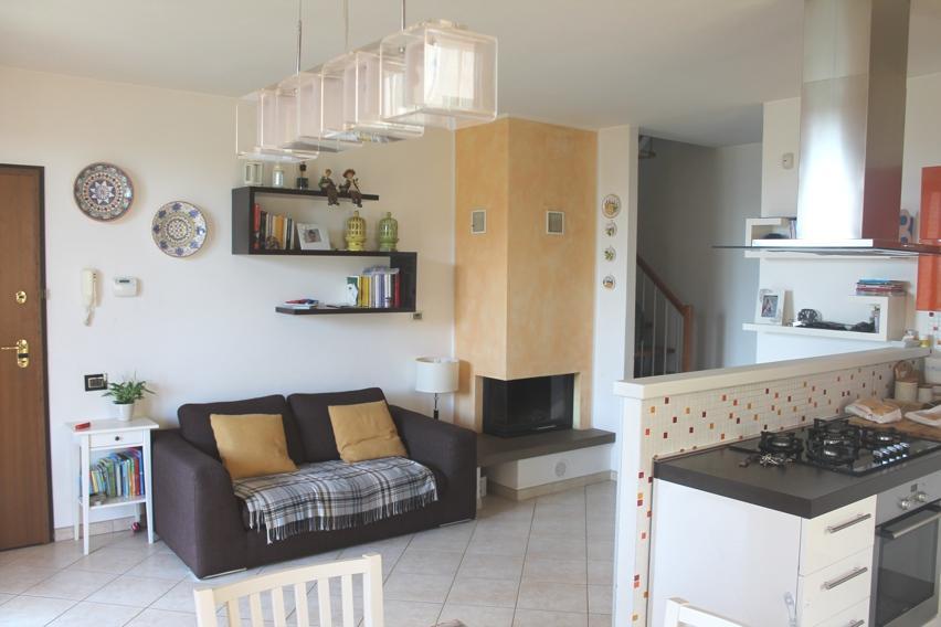 Appartamento in ottime condizioni in vendita Rif. 10021967