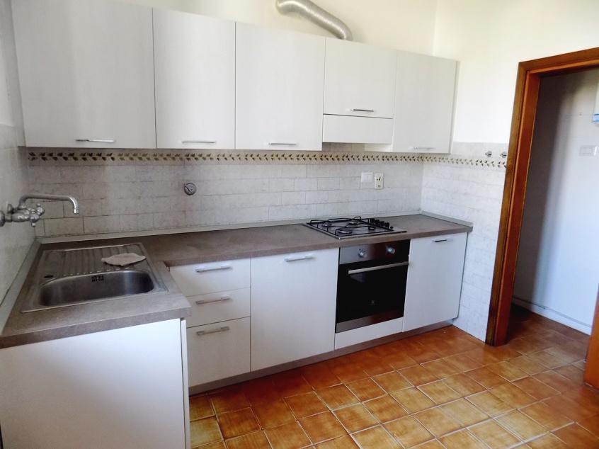 Appartamento in ottime condizioni in affitto Rif. 10701119