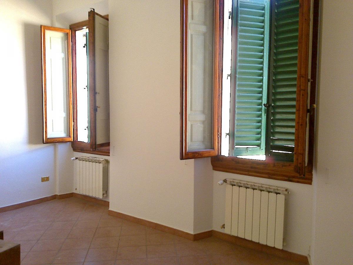 Ufficio ristrutturato in affitto Rif. 10814138