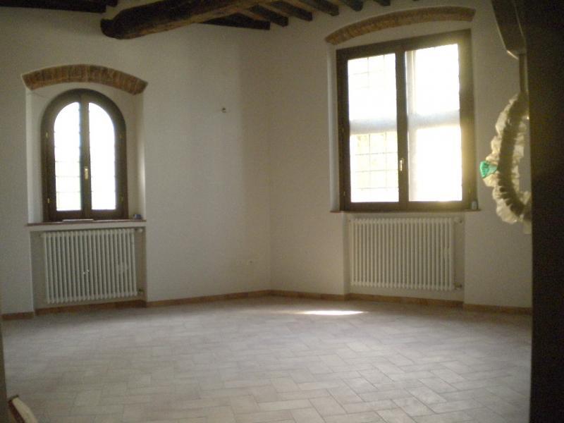 Appartamento in buone condizioni in vendita Rif. 11067451