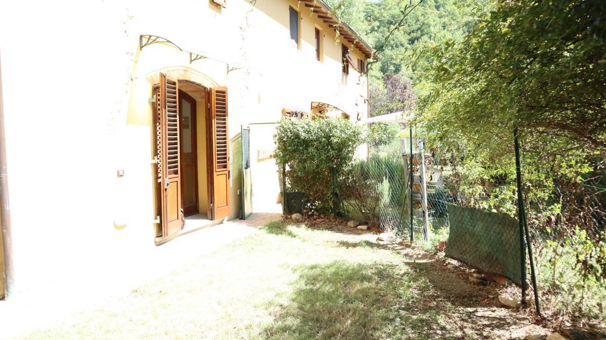 Appartamento in ottime condizioni arredato in affitto Rif. 11138030