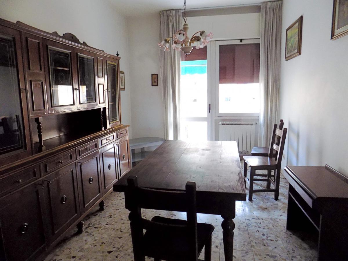 Appartamento da ristrutturare in affitto Rif. 11305837