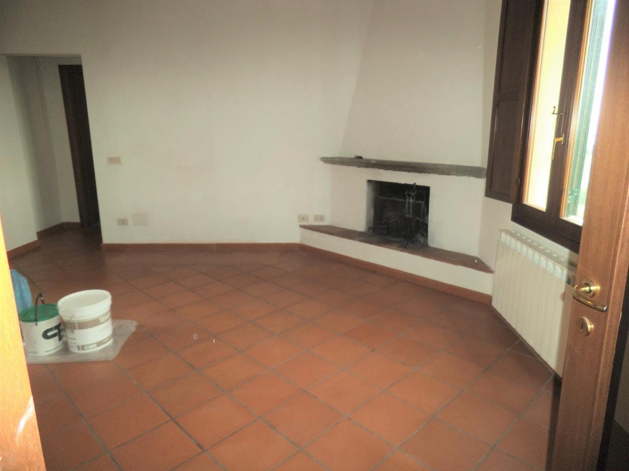 vendita appartamento carmignano  via leonardo da vinci 135000 euro  2 locali  60 mq