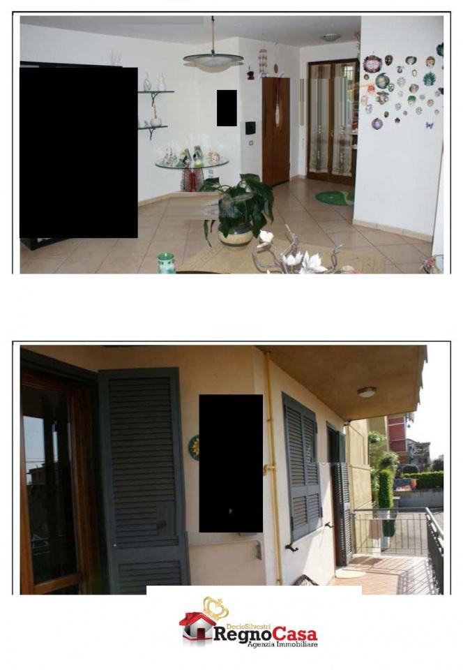 Appartamento in buone condizioni in vendita Rif. 8636458