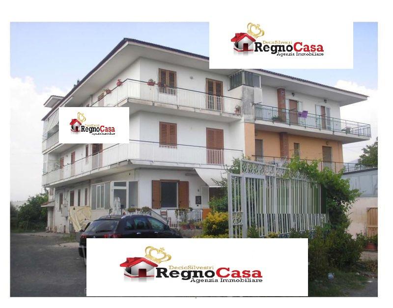 Appartamento in buone condizioni in vendita Rif. 8657222
