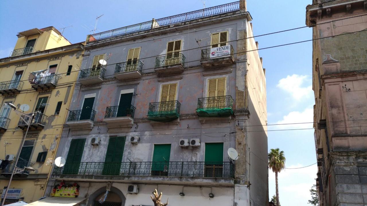 vendita appartamento napoli secondigliano  60000 euro  2 locali  66 mq