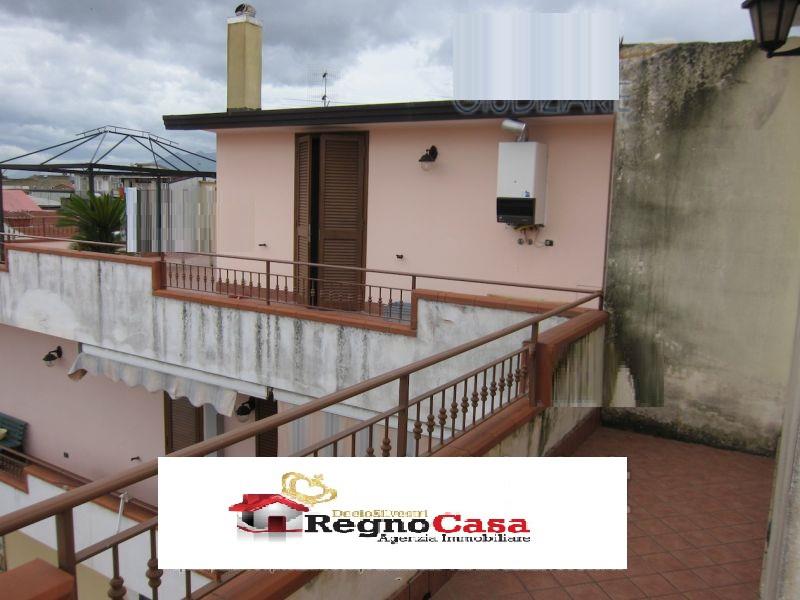 Appartamento in buone condizioni in vendita Rif. 6324547