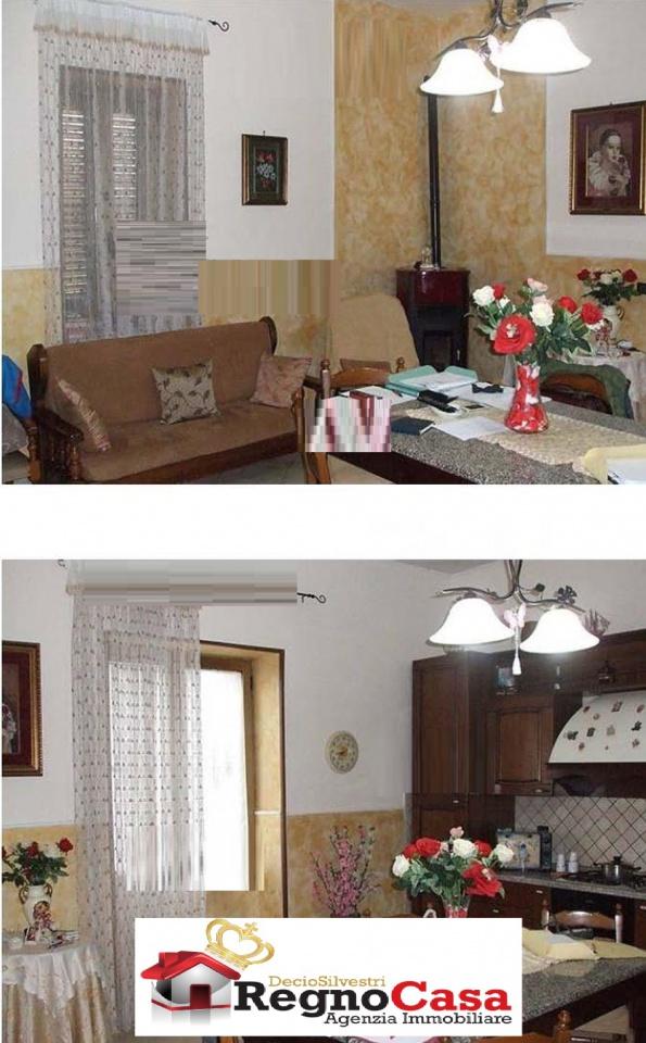 Appartamento in buone condizioni in vendita Rif. 6717310