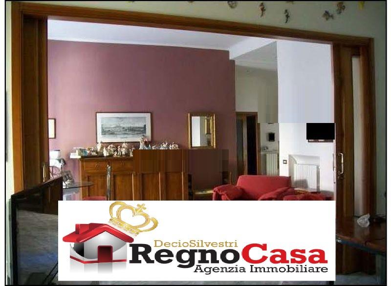 Appartamento in buone condizioni in vendita Rif. 7067784