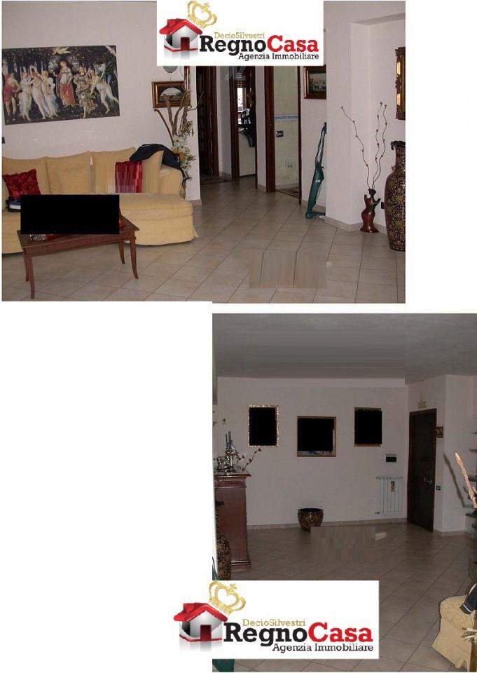 Appartamento in buone condizioni in vendita Rif. 8792132