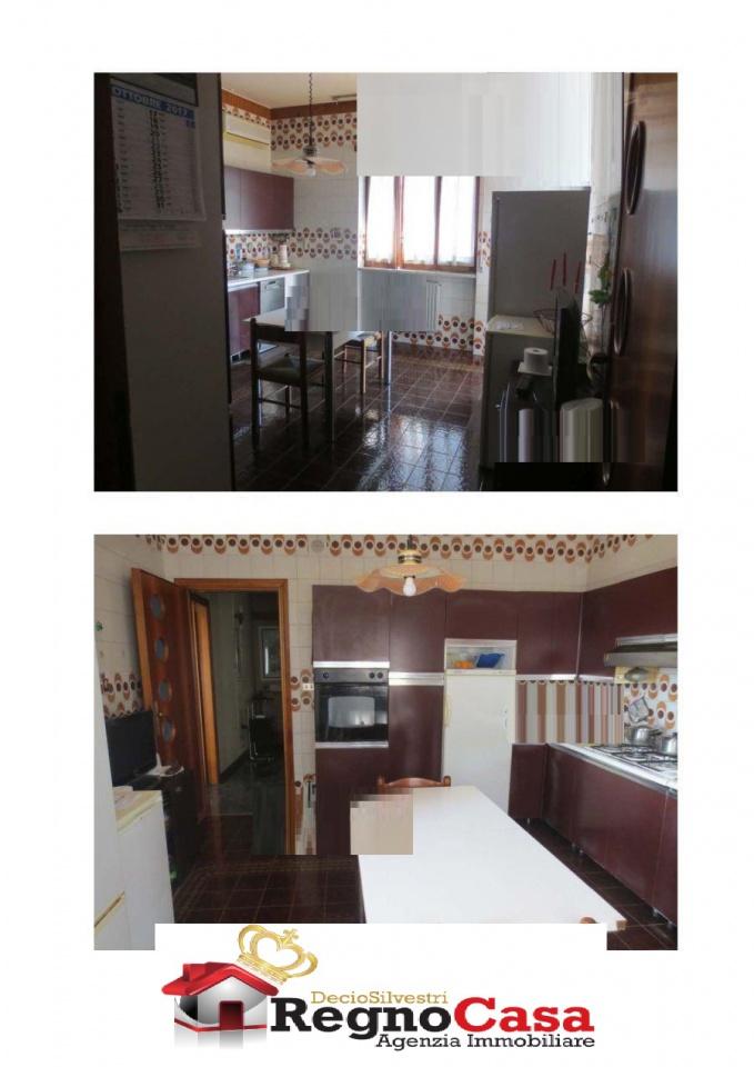 Appartamento in buone condizioni in vendita Rif. 9531952