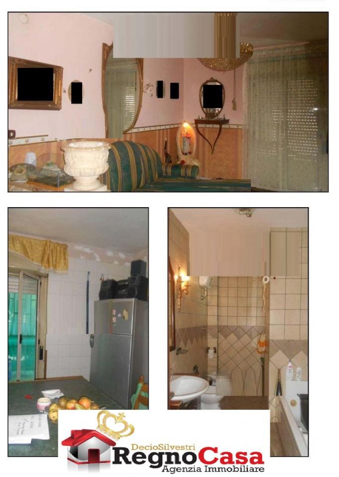 Appartamento in buone condizioni in vendita Rif. 9222515