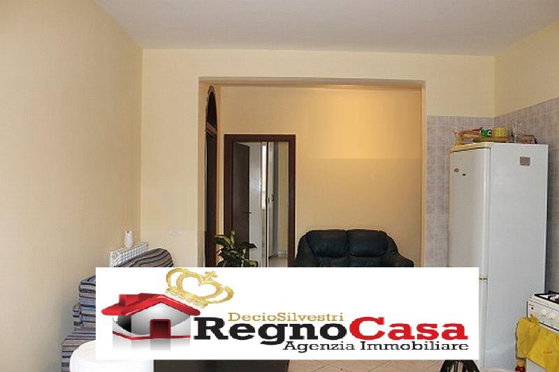 Appartamento in buone condizioni in vendita Rif. 8685836