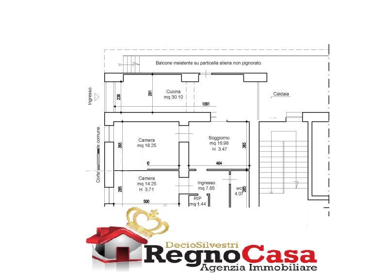 Appartamento in discrete condizioni in vendita Rif. 9231059