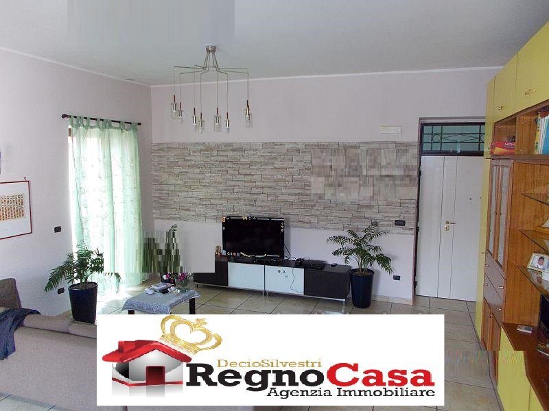 Appartamento in ottime condizioni in vendita Rif. 7382873