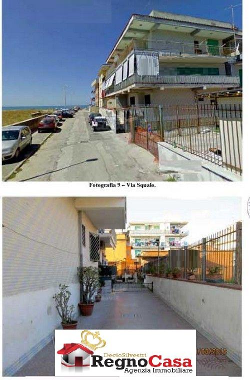Appartamento in buone condizioni in vendita Rif. 10393944
