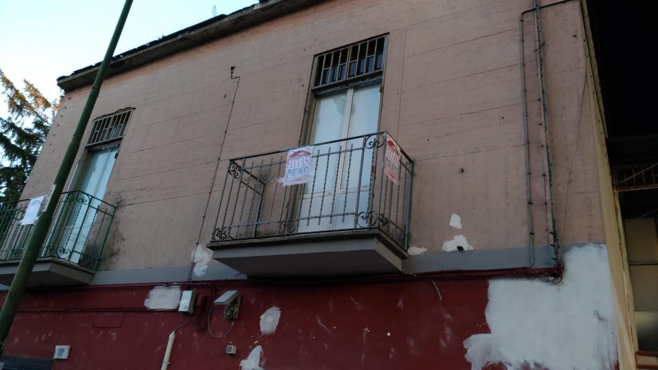 Bilocale in discrete condizioni in affitto