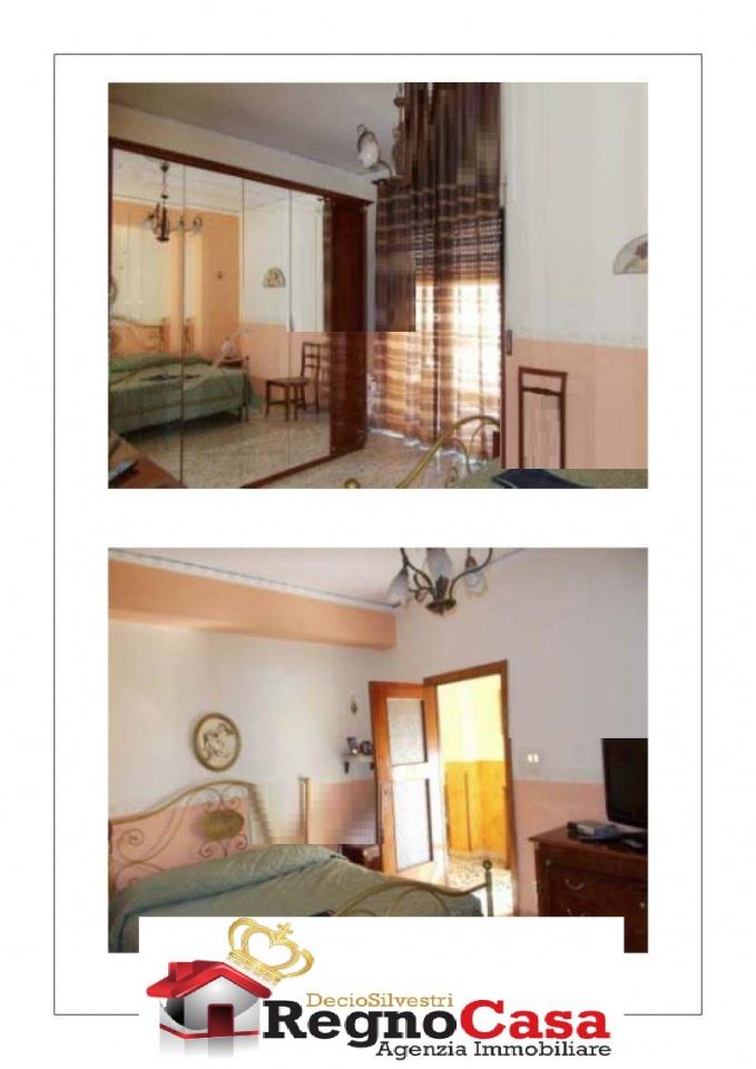 Appartamento in buone condizioni in vendita Rif. 10393911