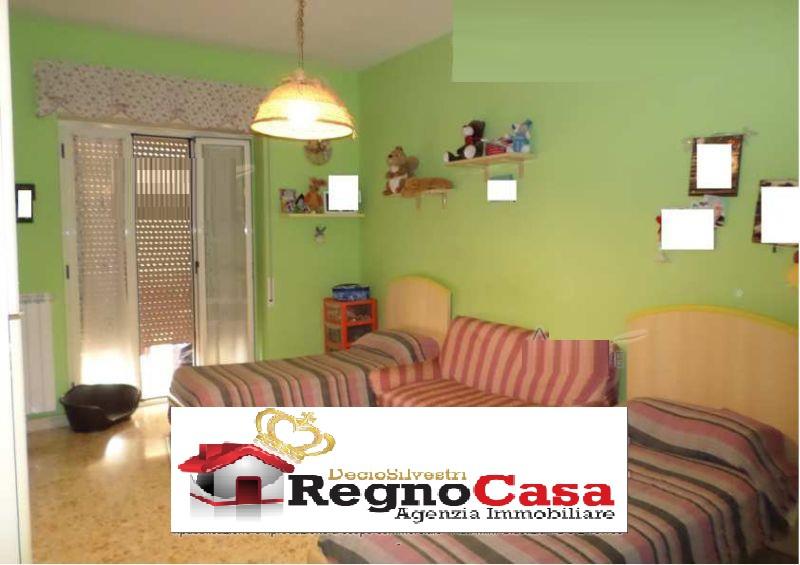 Appartamento in buone condizioni in vendita Rif. 8811729