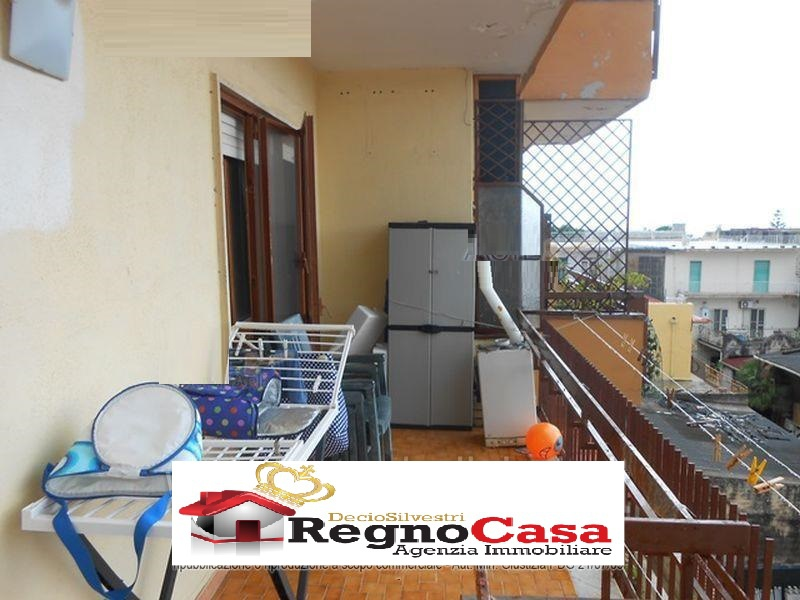 Appartamento in ottime condizioni in vendita Rif. 9063763