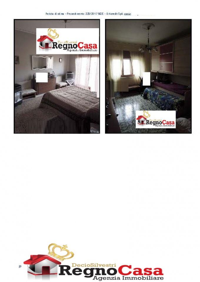 Appartamento in buone condizioni in vendita Rif. 9063760
