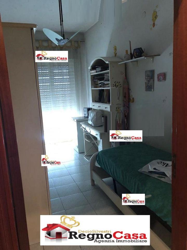Appartamento in buone condizioni in vendita Rif. 9133168