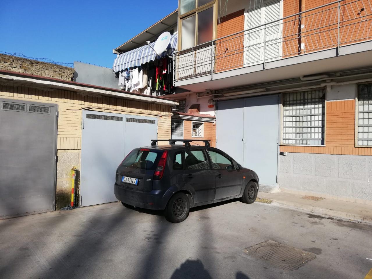 Box/Posto auto NAPOLI DEPOSITO-BOX VIA MON