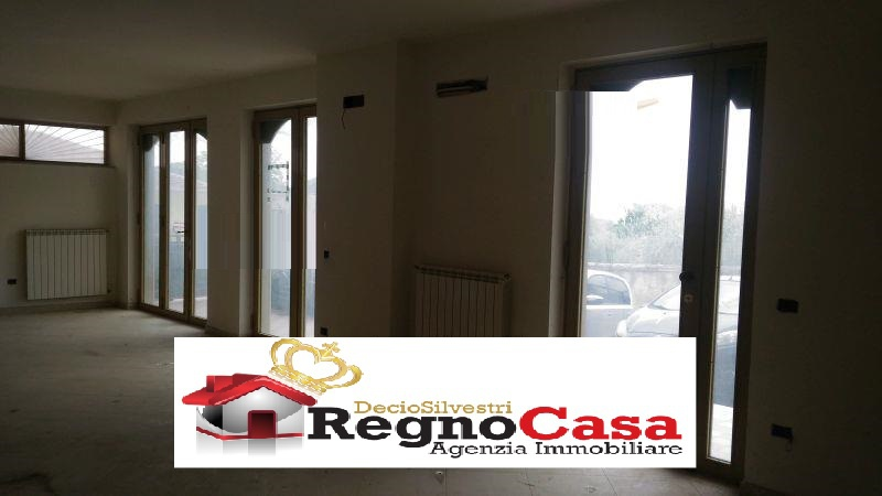 Locale Commerciale CASERTA 2780974 VIA MADONNEL