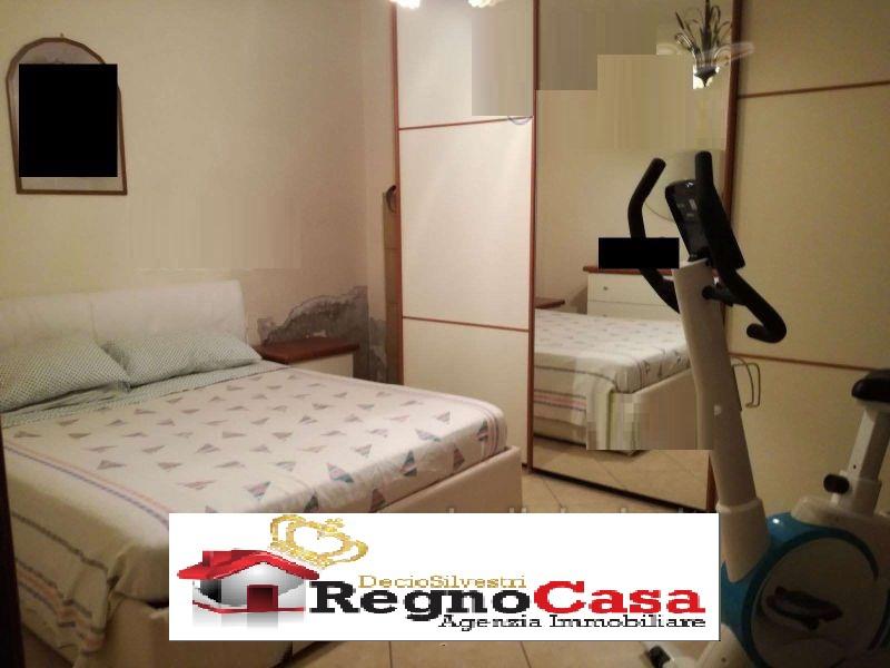 Appartamento in buone condizioni in vendita Rif. 9564103
