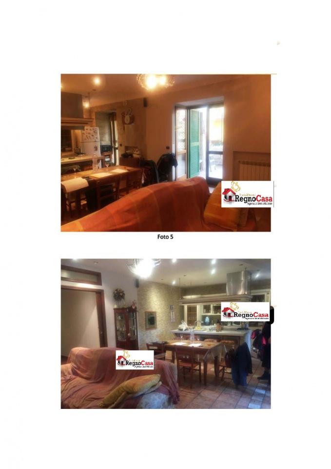 Appartamento in buone condizioni in vendita Rif. 9637844